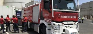 El Cabildo envía un camión-nodriza y tres bomberos más a Gran Canaria