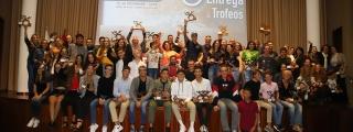 El Cabildo entrega los trofeos a los ganadores  absolutos de la X Copa de Natación en Aguas  Abiertas de Lanzarote
