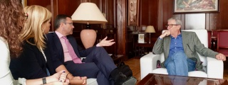 Alicia Páez y Oswaldo Betancort reclaman a la Delegación del Gobierno de Canarias mayor presencia de seguridad en La Graciosa